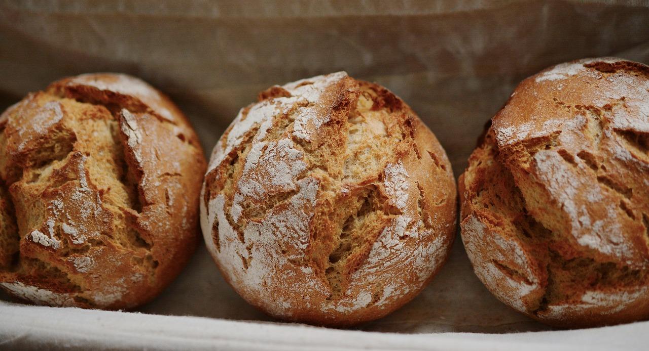 bread 1979676 1280 - Brötchen